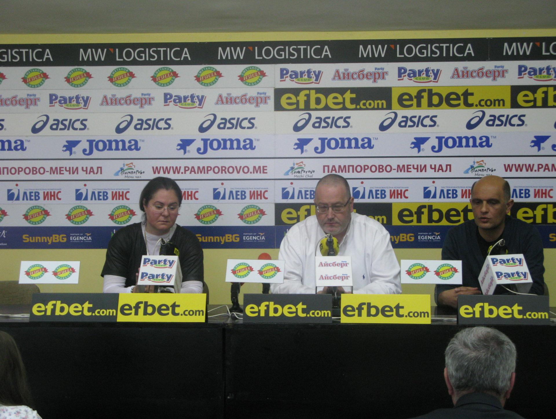 Христо Йовов и Светослав Петров в един отбор в турнира на  Първата професионална сокър лига