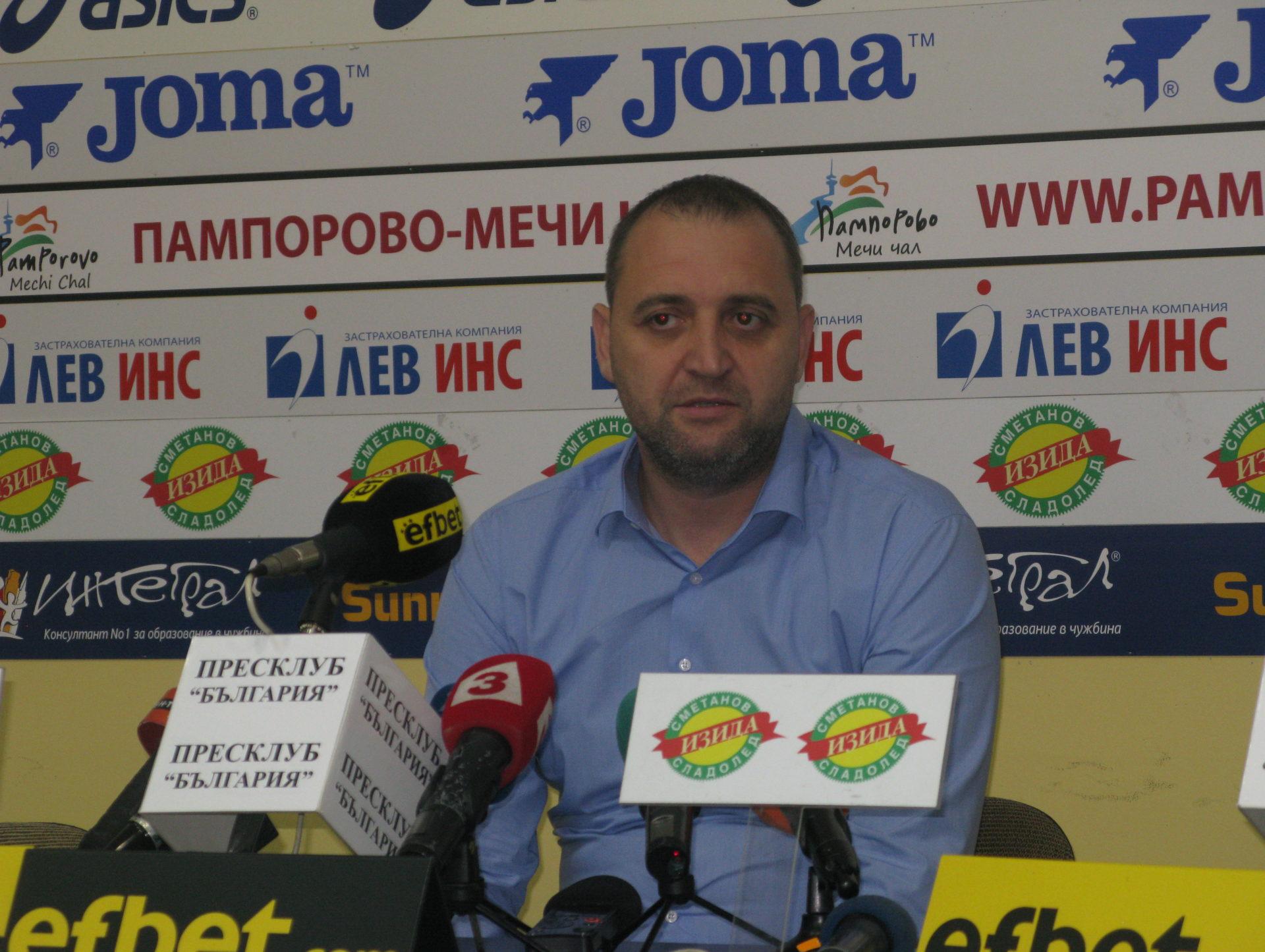 """Селекционерът на женския национален отбор по волейбол Иван Петков: """"Този отбор  има надежда и бъдеще!"""""""