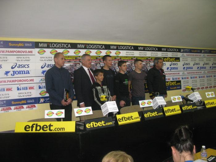 """45 пилоти на писта """"Пауталия"""" за еврошампионата по супермото и републиканския шампионат със скутери"""