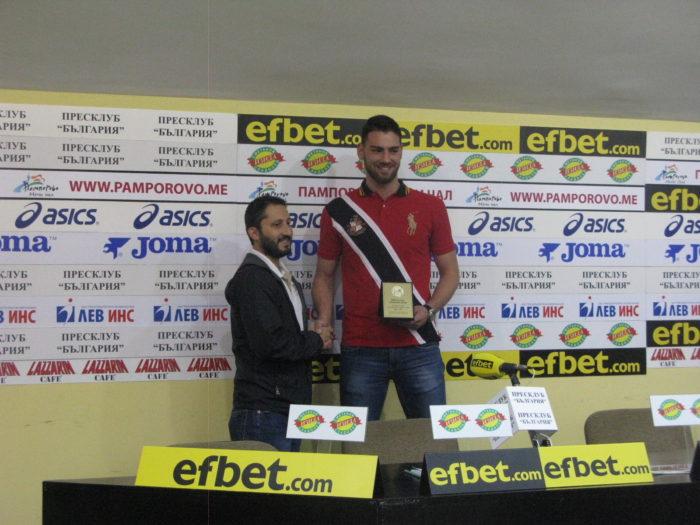 """Цветомир Чернокожев е осмият носител на наградата  """"Рачо Колев - едно сърце, една игра""""  за най-добър млад баскетболист"""