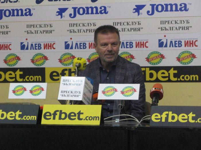 """Стойчо Младенов: Искам да отправя апел към Бойко Борисов и Красен Кралев  да узаконят професията """"треньор по футбол"""", защото те милеят за футбола и спорта."""