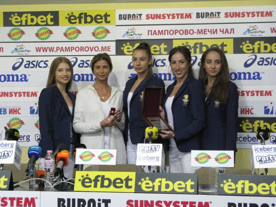 Златните грации от Токио и Весела Димитрова са отново Отбор и Треньор №1 на месеца